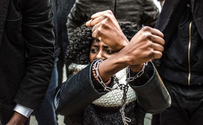 Европейцы превращают мигрантов в проституток, насилующих их детей