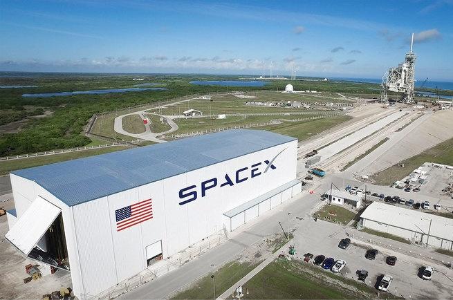 NASA: корабли SpaceX и Boeing смертельно опасны