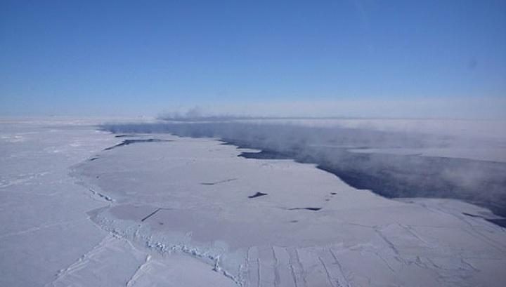 Разлившееся в Антарктиде озеро повредило российскую базу