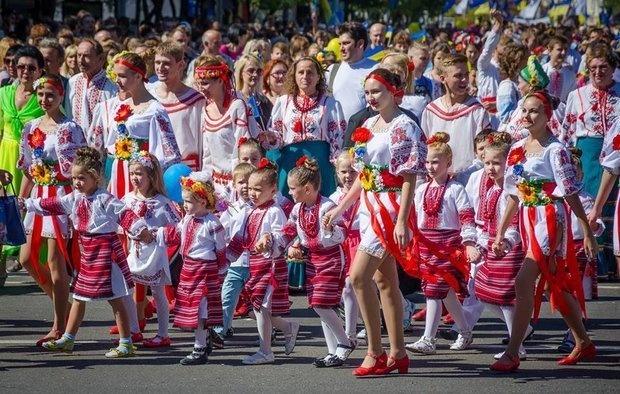 Сколько все же миллионов жителей на Украине: 44 или 24?