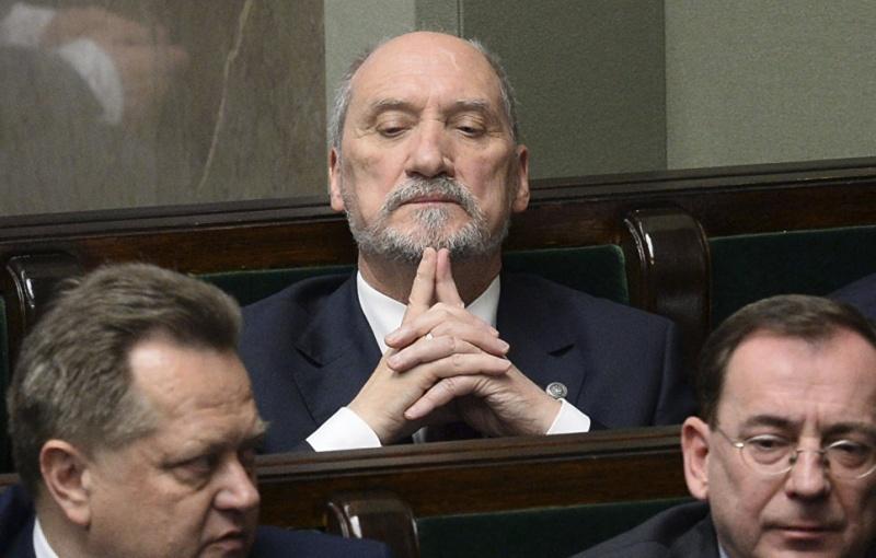 Ростислав Ищенко: Готовы прислуживать Европе. Польша избавляется от министров-русофобов