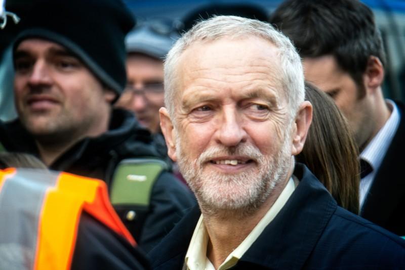 Финиан Каннингем: Холодная война Британии с Россией отравляет лейбористов Корбина