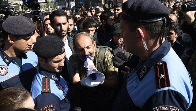 Армянская оппозиция объявила о создании комитета