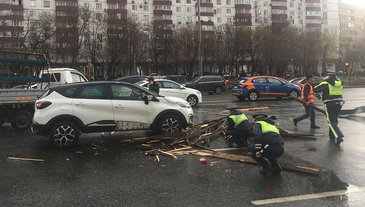 Центральная Россия приходит в себя после сильнейшего урагана