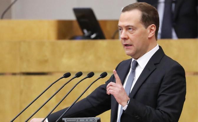 Валентин Катасонов. Чем Медведев напугал США в ответ на ядерную угрозу