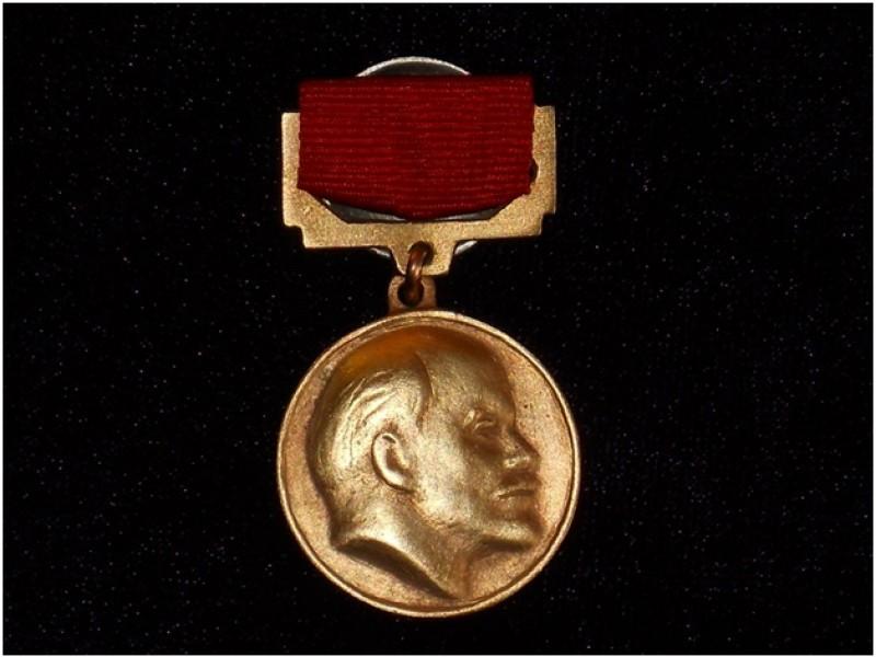 В Ульяновской области учреждена Губернаторская премия имени Владимира Ильича Ленина