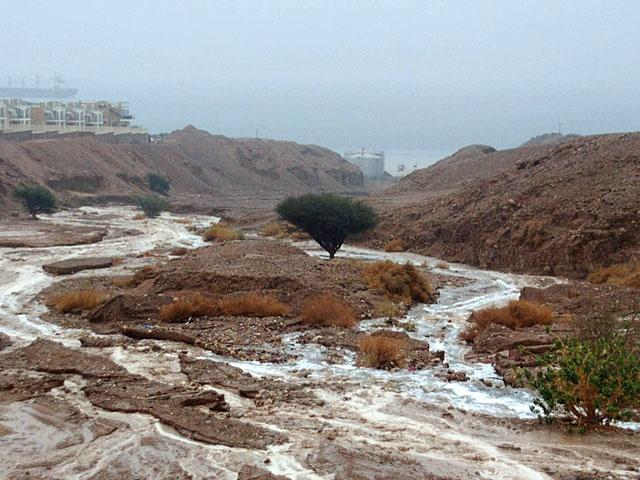 Ураган в Израиле повредил отели и убил туристов во время похода
