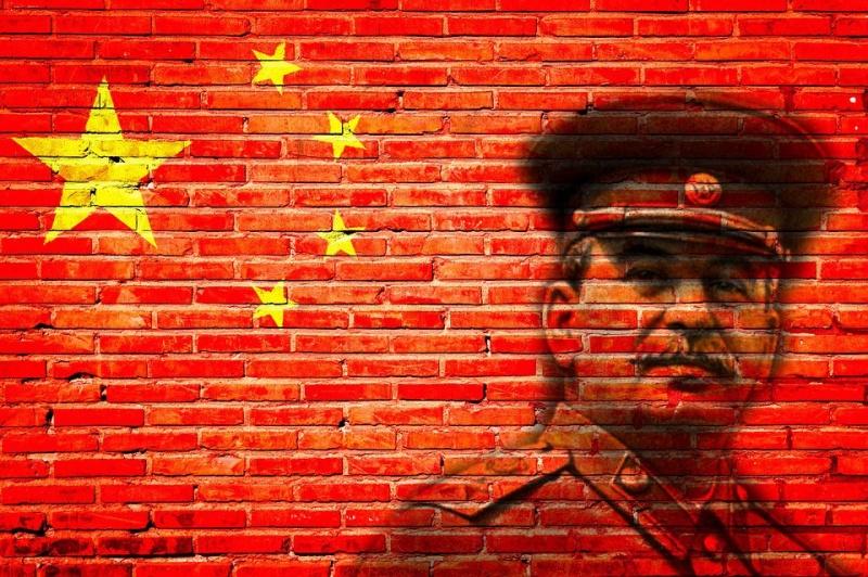 За Сталина ответили: американскому атташе Форду публично сломали нос в Китае