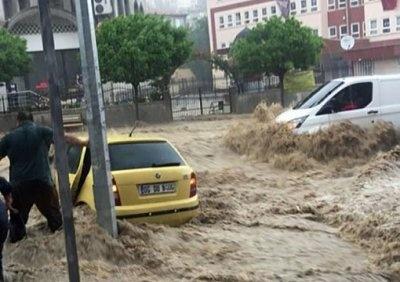 Сильнейшее за 500 лет наводнение смыло турецкую столицу