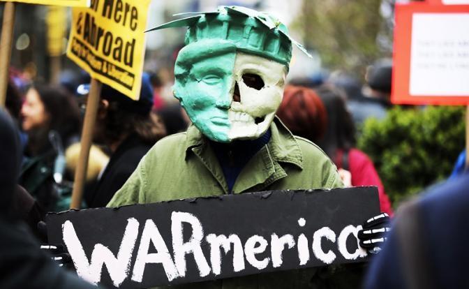 Пол Крейг Робертс: США нарушают два правила войны: Не нападать на Россию