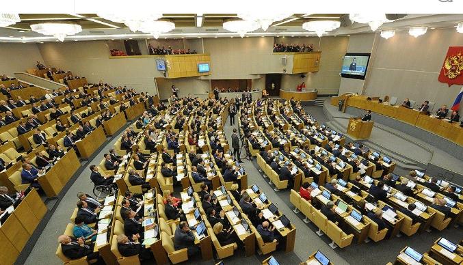 """Депутаты и сенаторы объяснили, почему нельзя запрещать госслужащим отдыхать в """"санкционных"""" странах"""