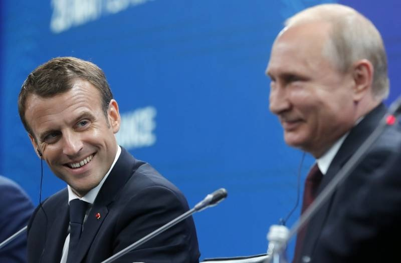 Сообразим на двоих. Экономический форум Путина и Макрона