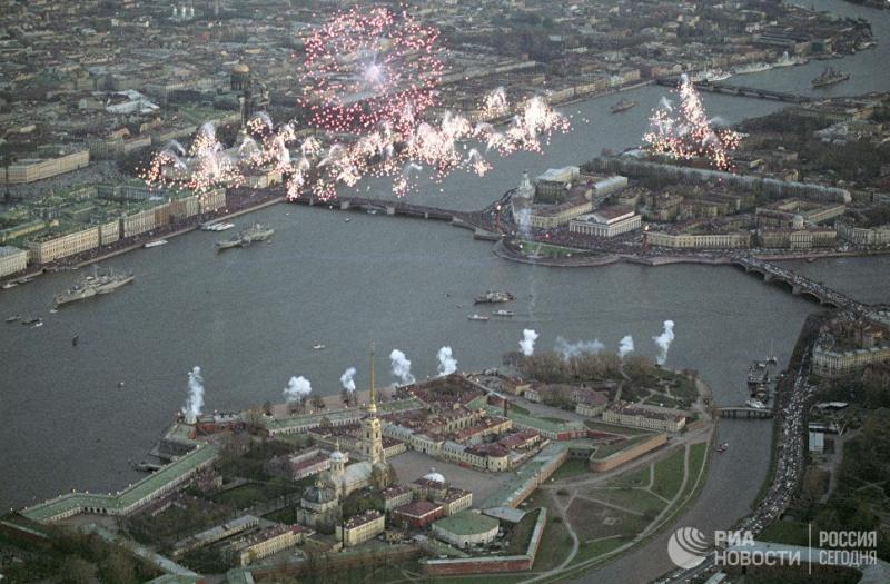 В Петербурге жаркая погода поставила температурный рекорд