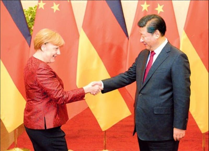 Как Меркель поехала в Китай продавать США