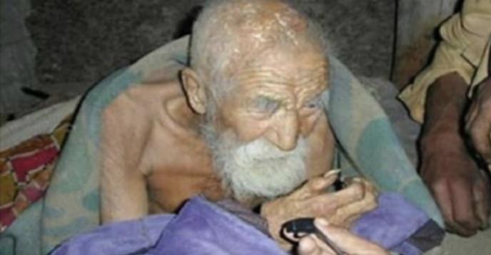 Односельчане уже начинают подозревать, что этот 182-летний мужчина бессмертен.