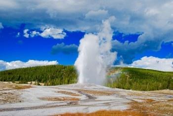 Йеллоустоун: ученые ожидают новых извержений Steamboat Geyser
