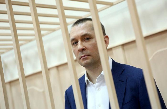 Полковнику Захарченко могут вернуть 9 млрд