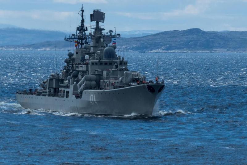 Северный флот отправился в самый крупный за последние 10 лет поход