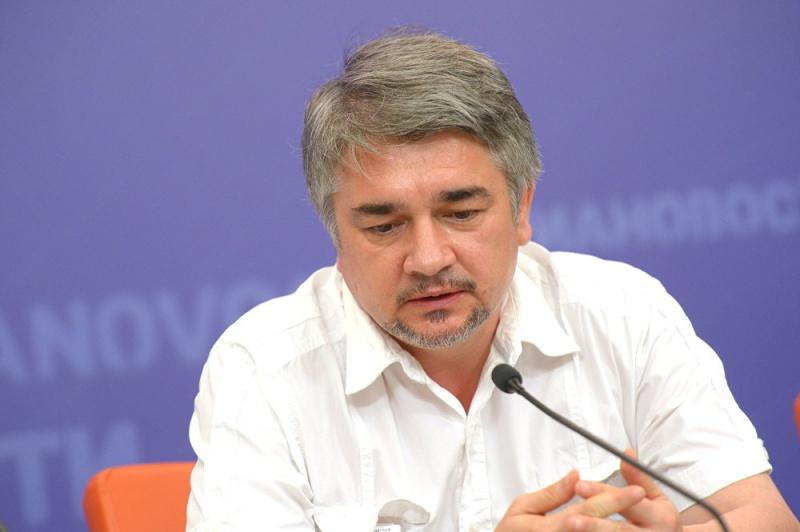 Ростислав Ищенко: Основа украинских митингов — проплаченная массовка