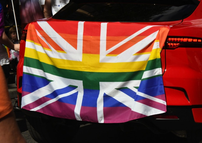 Би-би-си объявила войну гетеросексуальному большинству