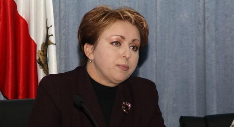 """""""Макарошки"""" вышли боком: уволена министр, ставшая звездой Интернета"""