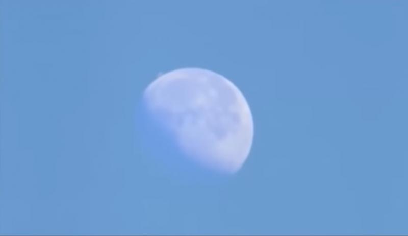 Рядом с Луной зафиксириовали интересный НЛО 1555485118_megastruktura_rjadom_lunoj_4